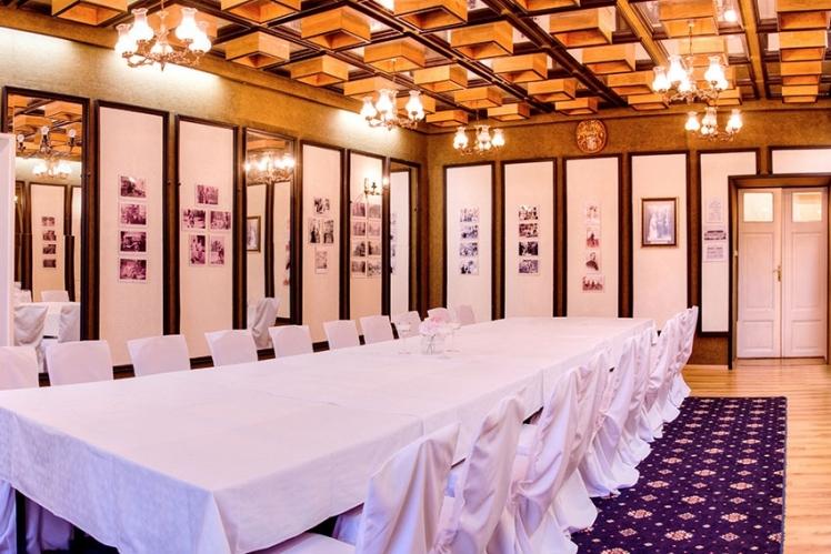 Zrkadlový salón Hotel Kaštieľ Mojmírovce